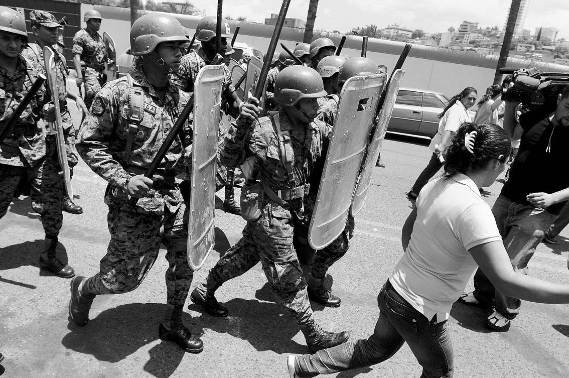 Reporteo Narco En Honduras: Calladita Te Ves Más Bonita